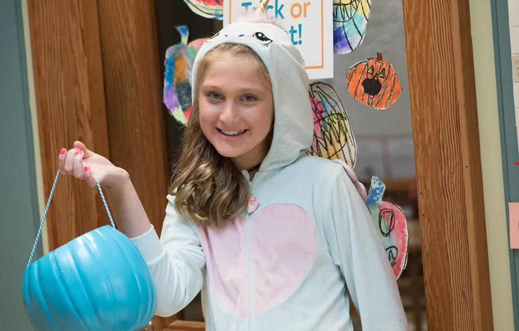 Willow Hosts Second Annual Teal Pumpkin Spooktacular